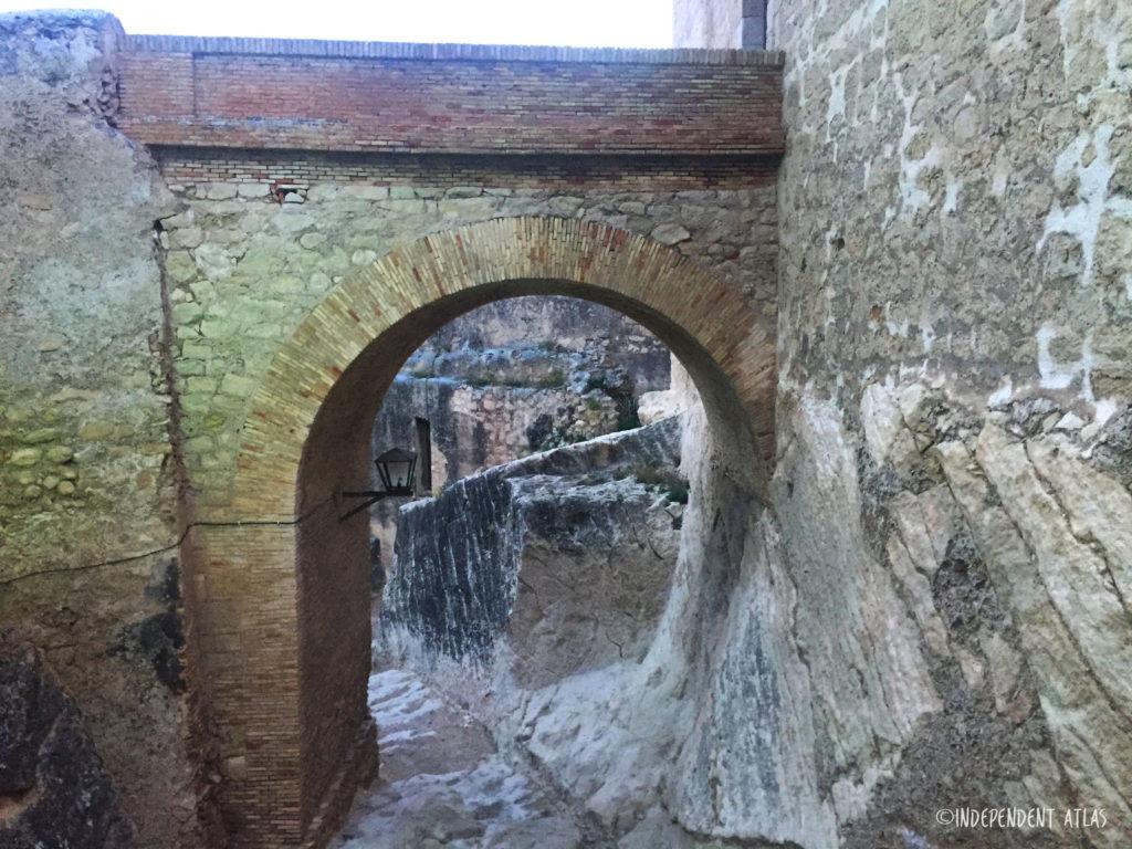 24 hours in alicante, a day in alicante, arch of castle santa barbara