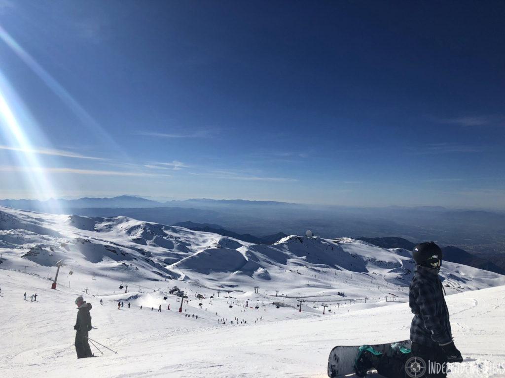 snowboarding in spain, skiing in spain, snowboarding the sierra nevada mountains, snow, sun, ski, snowboard, blue skies