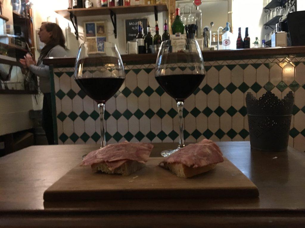 red wine and meat la trastienda, best tapas bars in Granada