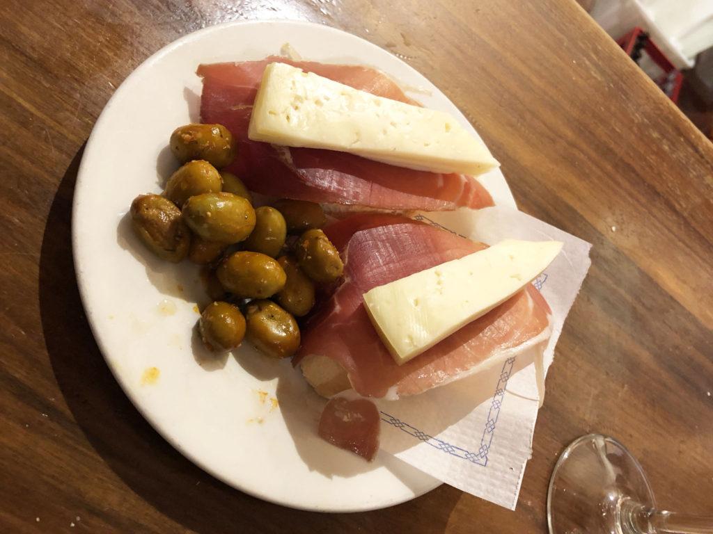 Bodegas Castenada Tapas Bar, Granada, best tapas bars in Granada