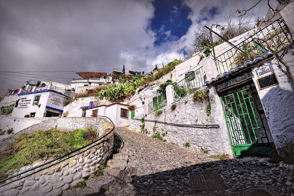 Street art and graffiti tour of granada, spain, sacramonte
