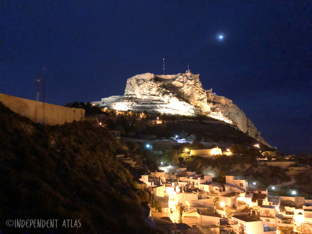 24 hours in alicante, a day in alicante, catle at night