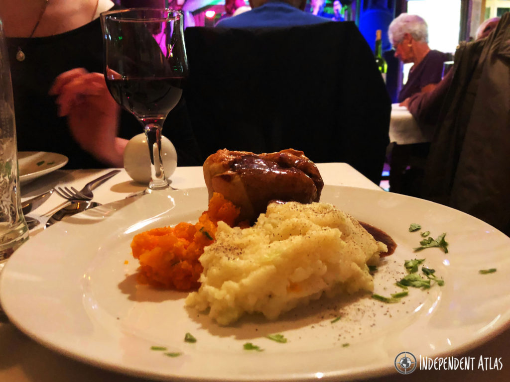 Steak and Guinness pie with mashed potato and carrot with gravy, Irish bar in Santa Pola